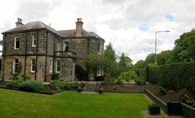 Thumbnail Detached house to rent in Inverleith Place, Edinburgh