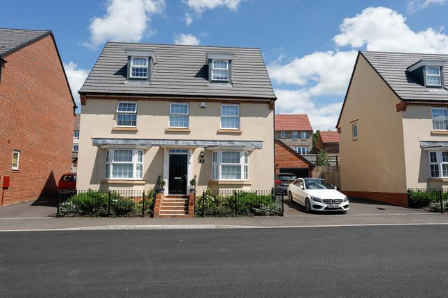 Thumbnail Town house for sale in Clayhill Drive, Yate, Bristol