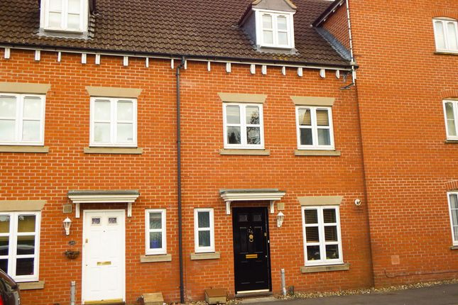 3 bed town house for sale in Zander Road, Calne