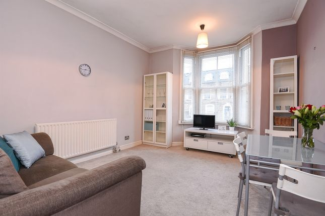 1 bed flat for sale in Glenthorne Road, London