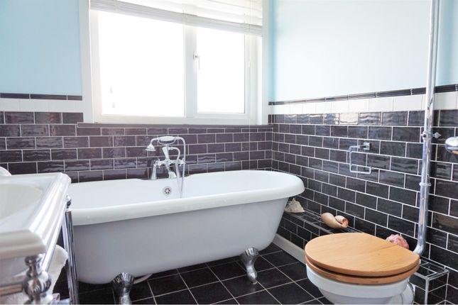 Family Bathroom of Recreation Avenue, Leigh-On-Sea SS9