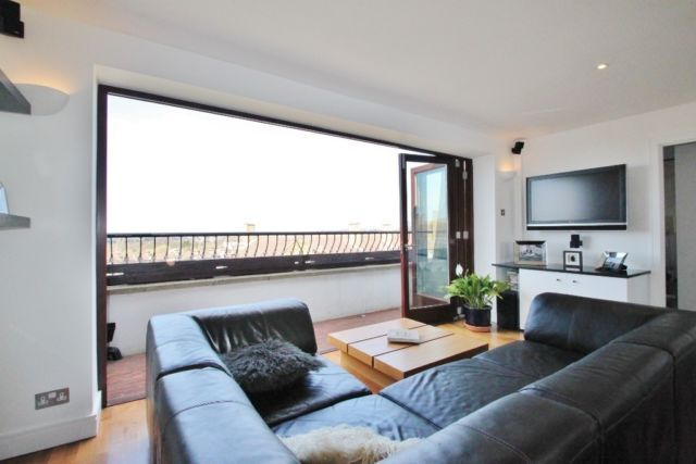 Thumbnail Duplex to rent in Woodford Green, London