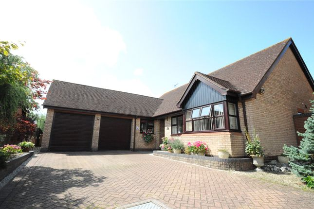 Thumbnail Bungalow for sale in Clifford Close, Droitwich, Worcestershire