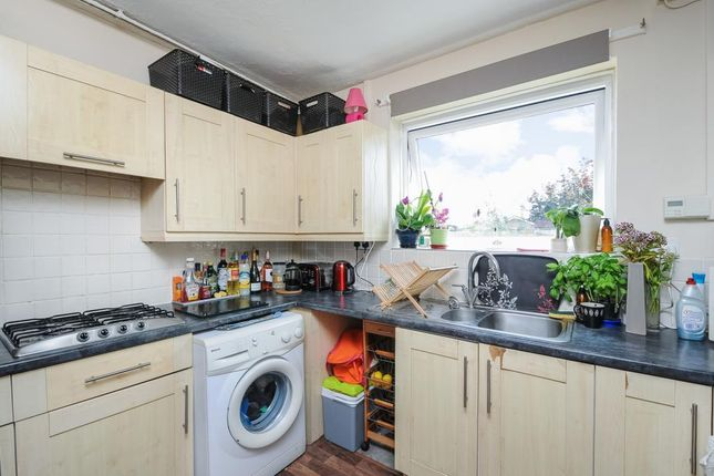 Kitchen of Queensway, Didcot OX11