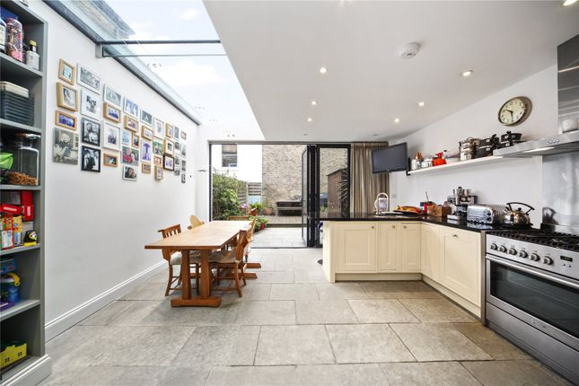 Thumbnail Terraced house to rent in Purves Road, London