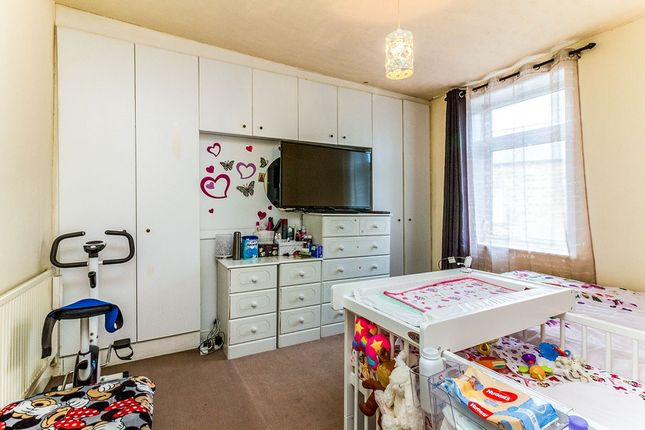 Bedroom of Osborne Street, Barnsley, South Yorkshire S70