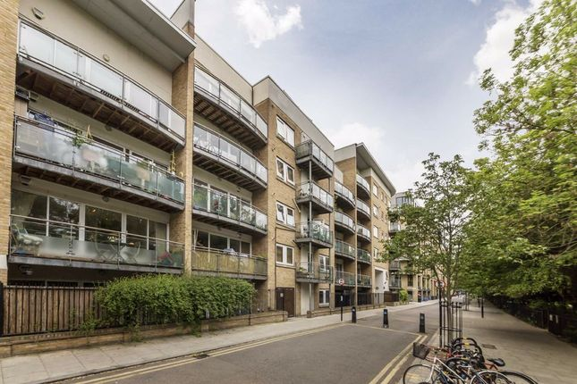 Thumbnail Flat for sale in Kay Street, London