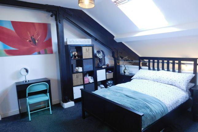 Bedroom of Pryor Wing, Kingsley Avenue, Stotfold, Hitchin SG5