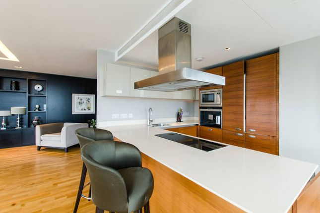 Thumbnail Flat to rent in Battersea Reach, Wandsworth Town