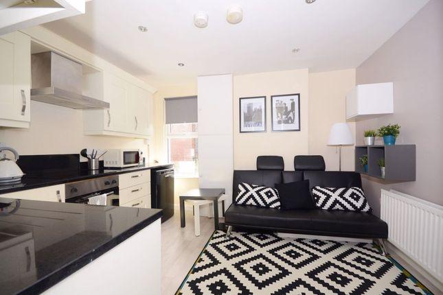 Thumbnail Flat to rent in Eglantine Avenue, Belfast