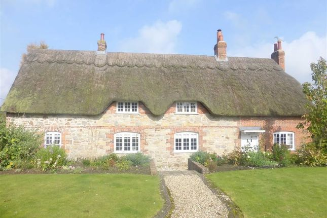 Thumbnail Cottage to rent in New Road, Chiseldon, Wiltshire