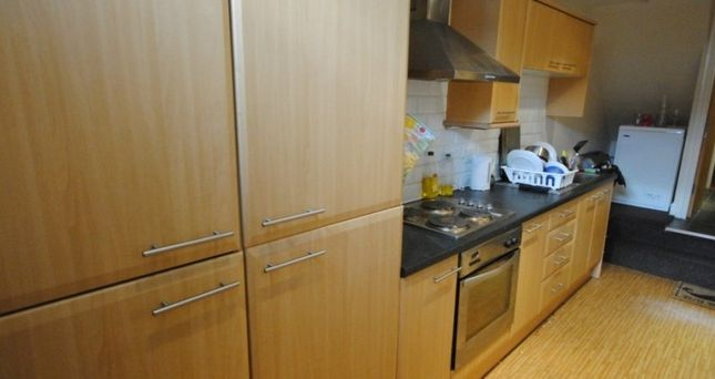 Thumbnail Terraced house to rent in Manor Terrace, Leeds