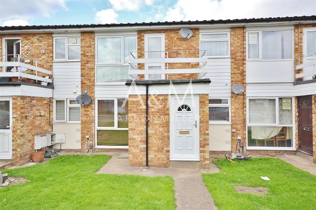 Thumbnail Flat to rent in St. Peters Close, Ilford