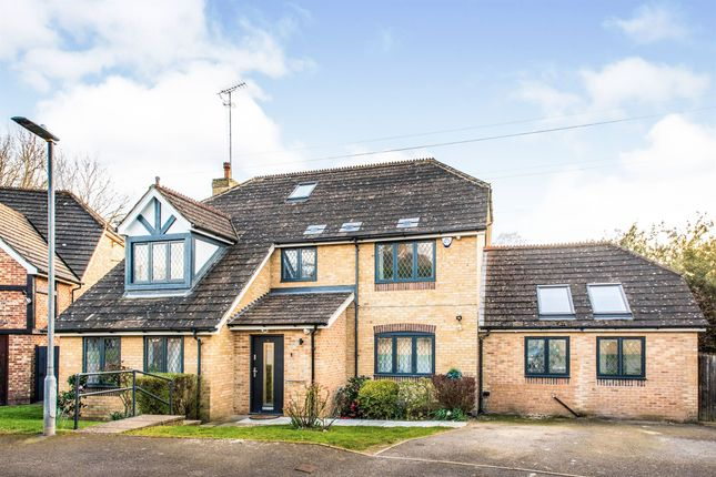 Thumbnail Detached house for sale in The Oaks, Watford