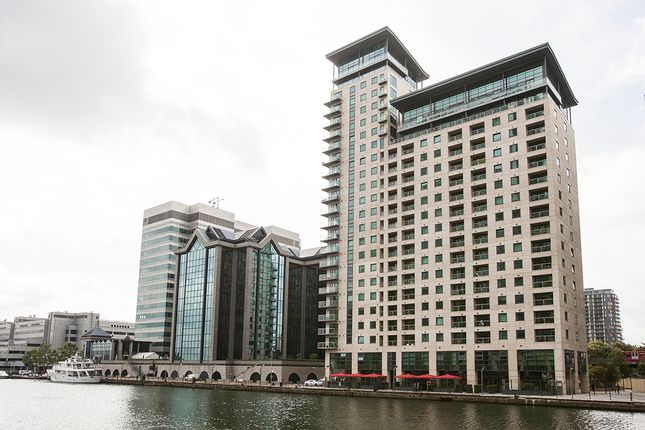 2 bed flat to rent in Discovery Dock Apartments East, 3 South Quay Square, London