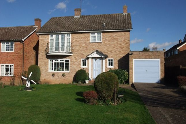 Thumbnail Detached house for sale in The Spinney, Bookham, Leatherhead