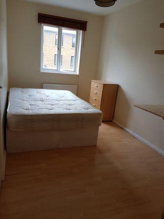 Thumbnail Flat to rent in Ernest Street, Stepney Green