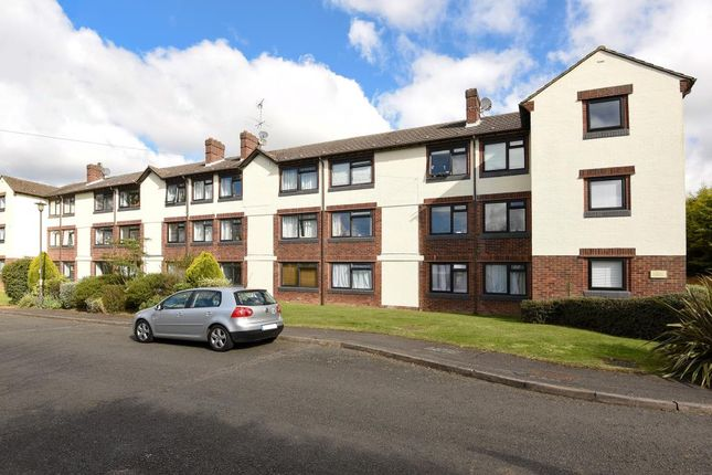 2 bed flat for sale in Amersham, Buckinghamshire