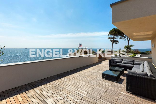 Thumbnail Property for sale in Saint-Aygulf, 83370 Fréjus, France