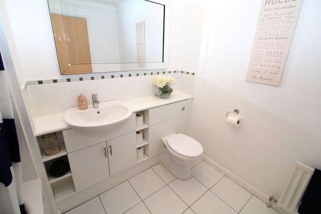 Family Bathroom of Grandholm Crescent, Aberdeen AB22