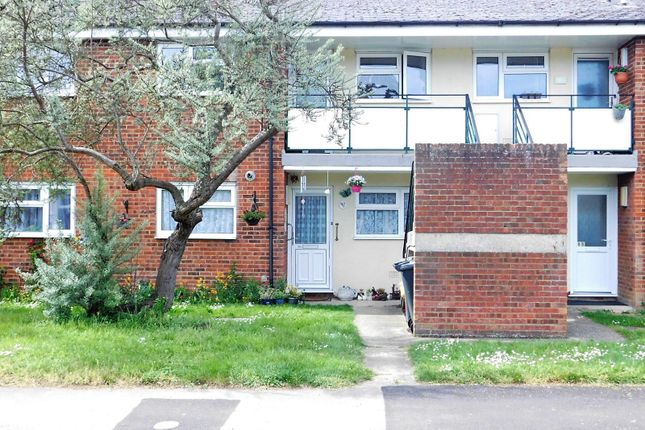 Thumbnail Flat for sale in Hitchin Road, Stotfold, Hitchin