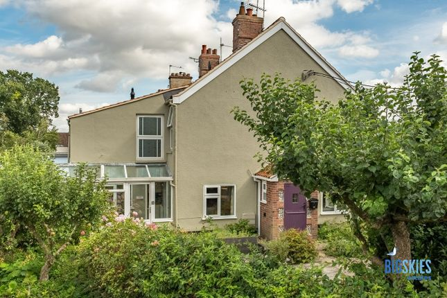 Thumbnail Cottage for sale in 43 Hempstead Road, Holt