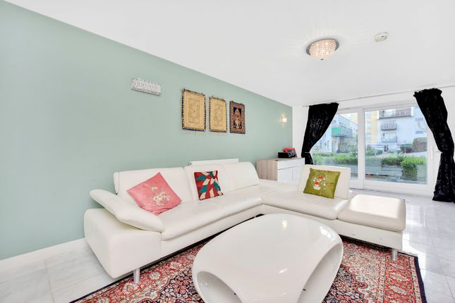 Thumbnail Flat to rent in Teal Street, Greenwich Millennium Village