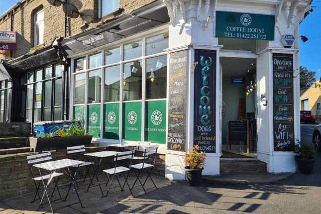 Thumbnail Restaurant/cafe for sale in Cafe & Sandwich Bars HX5, West Yorkshire