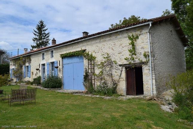 4 bed property for sale in Chef Boutonne, Poitou-Charentes, 79110, France