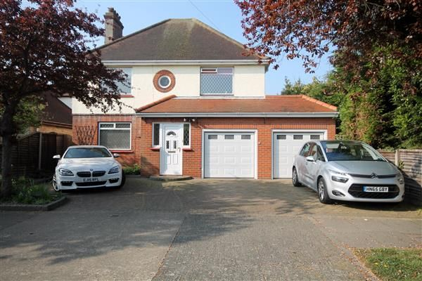 Thumbnail Property for sale in Eastcliff Avenue, Clacton-On-Sea