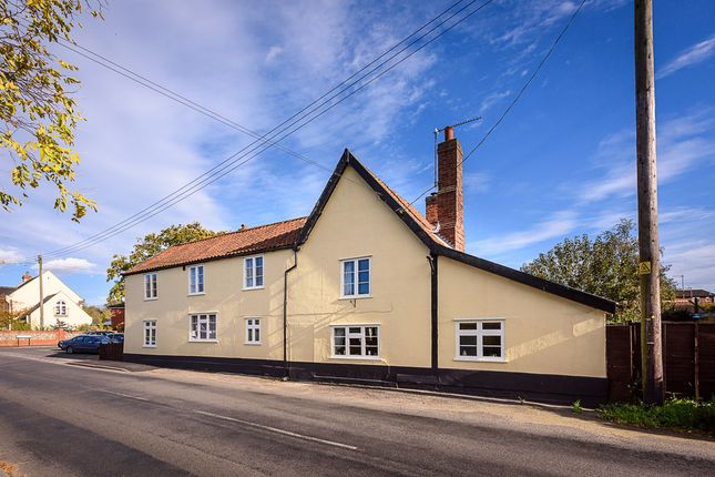 Thumbnail Detached house for sale in Garboldisham, Diss