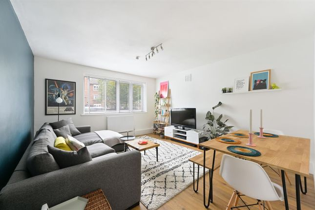 2 bed flat for sale in Ward Road, Tufnell Park N19
