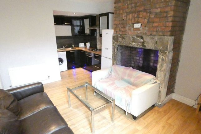Flat to rent in Grosvenor Gardens, Newcastle Upon Tyne