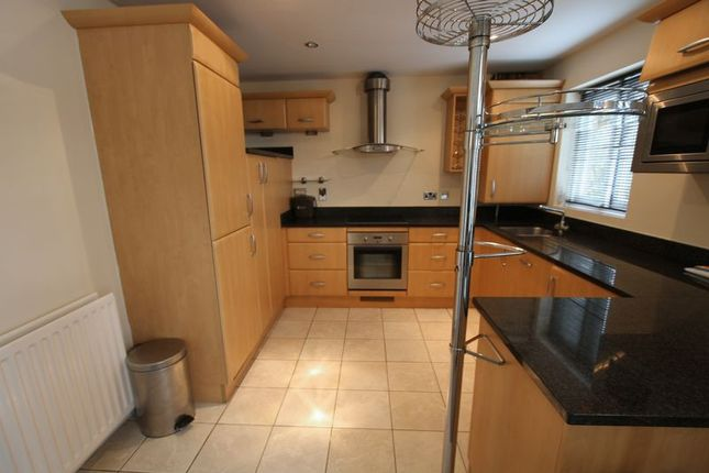 Thumbnail Flat to rent in Bakers Court, Steam Mill Street, Chester