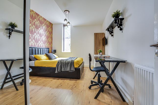 Thumbnail Semi-detached house to rent in Egerton Road, Manchester