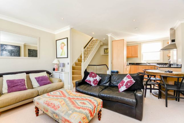 Thumbnail Flat for sale in Chaldon Road, Fulham