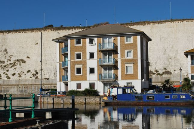 Thumbnail Flat to rent in Victory Mews, Brighton Marina
