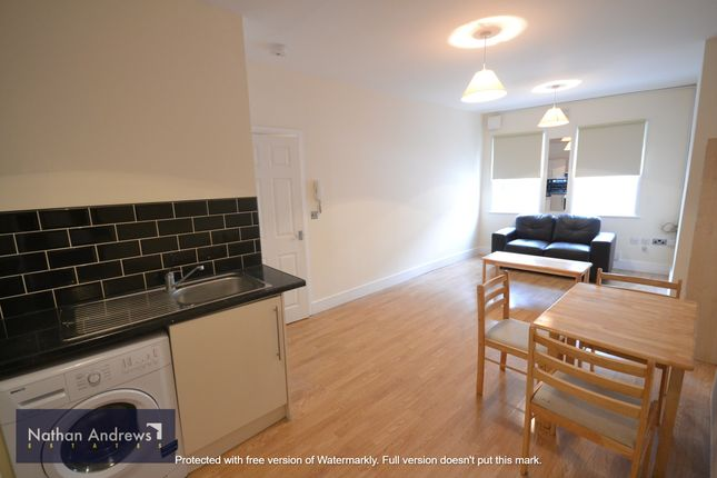 Thumbnail Flat for sale in Queens Crescent, Kentish Town, London
