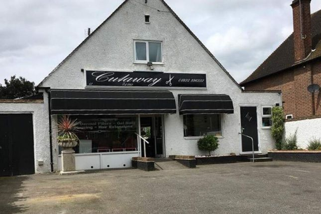 Thumbnail Retail premises for sale in 42 Denham Way, Rickmansworth