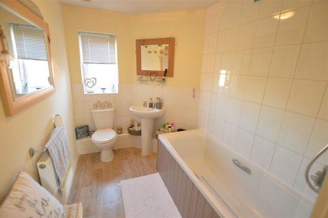 Family Bathroom of Gleneagles Drive, Greylees, Sleaford NG34