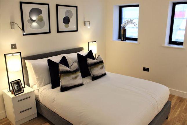 Bedroom of The Grand, Broad Street, Banbury OX16