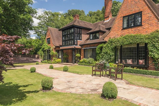 Thumbnail Detached house for sale in Bowsey Hill, Wargrave, Reading