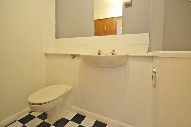 Photo 6 of Studio Apartment, Llwyn Deri Close, Rhiwderin NP10