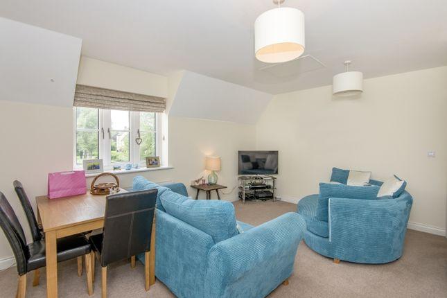 Flat to rent in Buttercross Lane, Witney