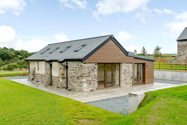 Thumbnail Bungalow for sale in Warracott Farm Barns, Chillaton, Lifton, Devon