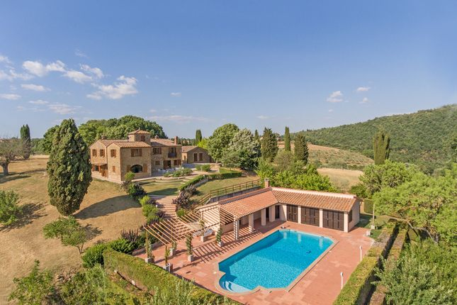 Thumbnail Country house for sale in Dolci Colline, Pienza, Siena, Tuscany, Italy