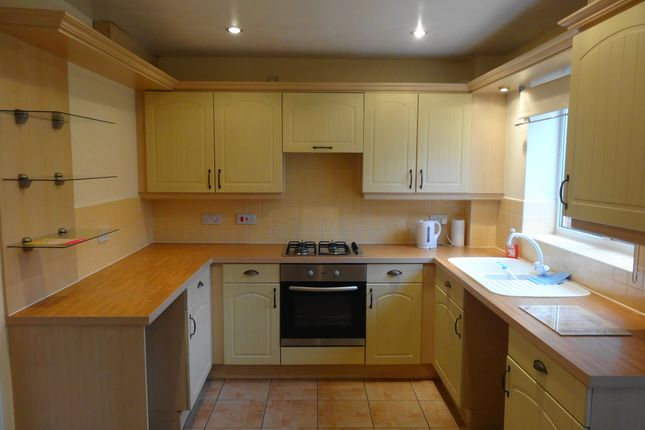 Thumbnail Town house to rent in Yarn Close, Sutton