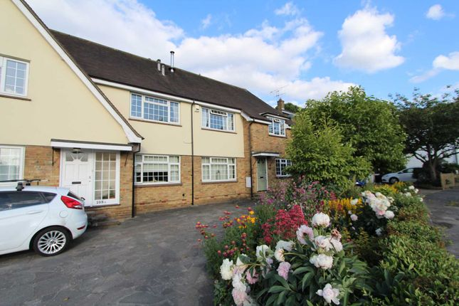 Thumbnail Flat for sale in Rayleigh Road, Hadleigh, Benfleet