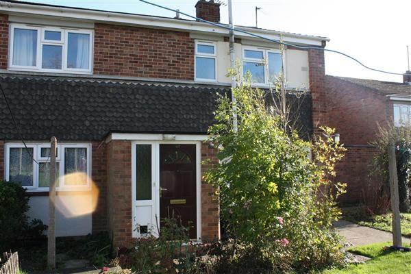 2 bed flat to rent in Moyne Road, Sawtry, Huntingdon