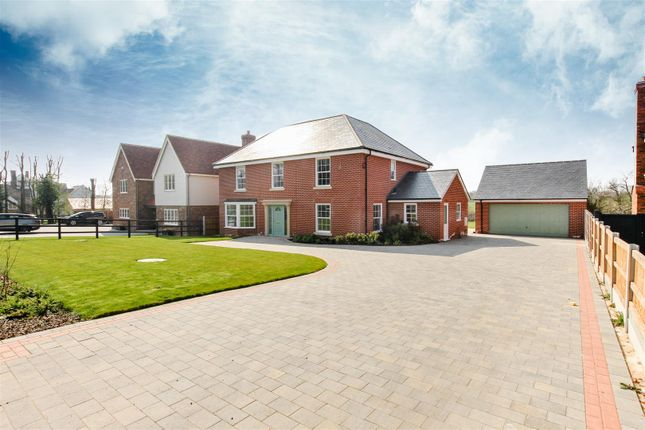 Thumbnail Detached house for sale in Mangapp Chase, Burnham-On-Crouch